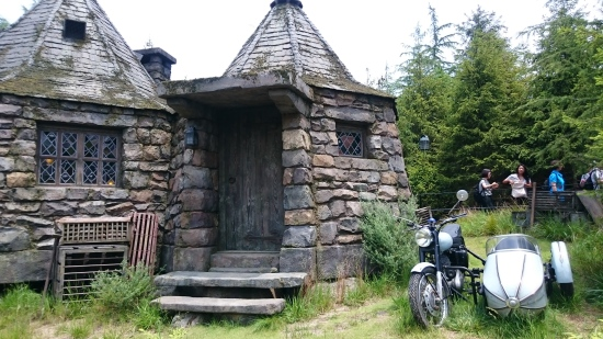 Rumah dan motor Hagrid